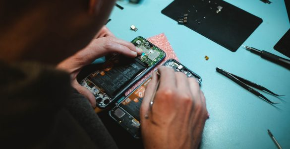 reduce e-waste with mobile phone repair